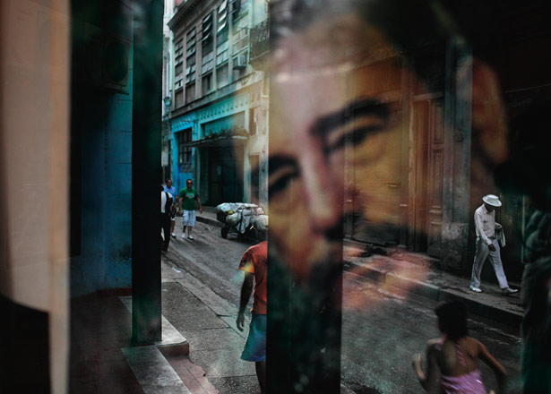 fidel-castro-window-reflection-615