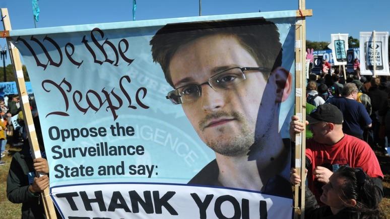 Snowden-sign